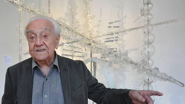 Unikátní křišťálový objekt Expo2 a jeho tvůrce výtvarník René Roubíček