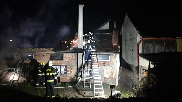 Požár přístřešku v Turnově