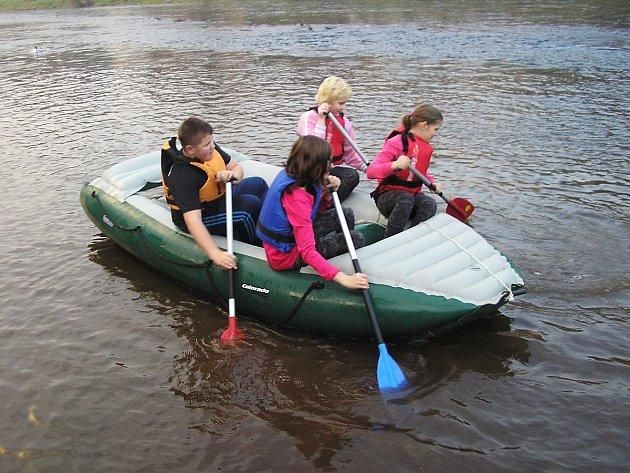 Na kroužcích lze zažít mnohé. Kdo zapomene na vodácký kroužek a plavbu po Jizeře v Brodě 8. ledna 2014?