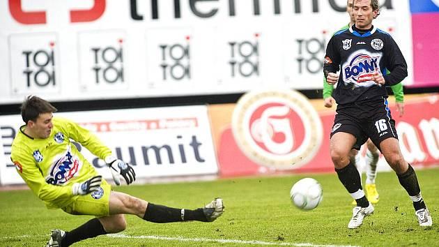 V 19. kole 1 Gambrinus ligy hostil FK Baumit Jablonec sestupem ohrožené SK Kladno. V bojovném zápase si domácí hráči vyhráli.