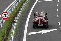 Do provozu byla slavnostně uvedena přeložka silnice 1/14 Liberec-Kunratická. Na slavnosti bylo možno projet si nový úsek veteránem - tentokrát i v protisměru.