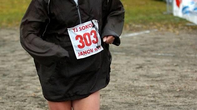 Číslo 303 měl běžec Ivo Domanský z AVC Praha, který je ročník 1938.