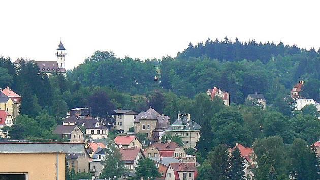 Rozhledna Petřín s hotelem a restaurací v Jablonci nad Nisou