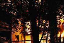 Hořící dům v Pobřežní
