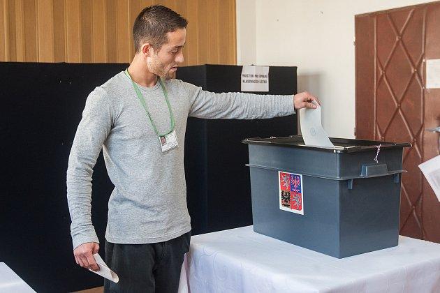 Vězni ve Věznici Rýnovice vJablonci nad Nisou volili 20.října své kandidáty do Poslanecké sněmovny Parlamentu České republiky.