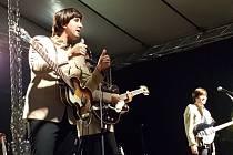 V rámci festivalu Město plné tónů vystoupila v Jablonci také Beatles revivalová skupina The Backwards.