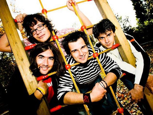 Taking Over Mars A Muerti.  Slovinská punk – rocková kapela.