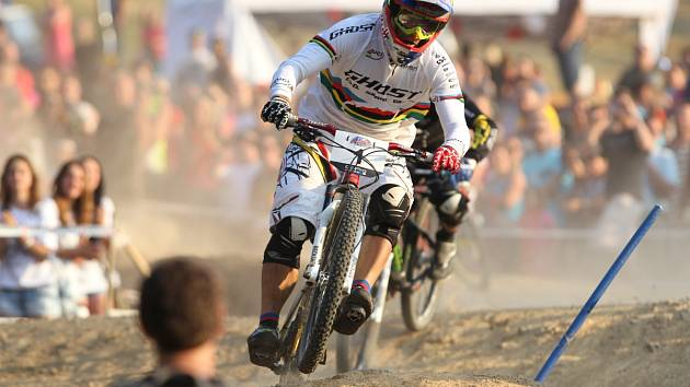 Český biker Tomáš Slavík obhájil prvenství na JBC 4X Revelations.