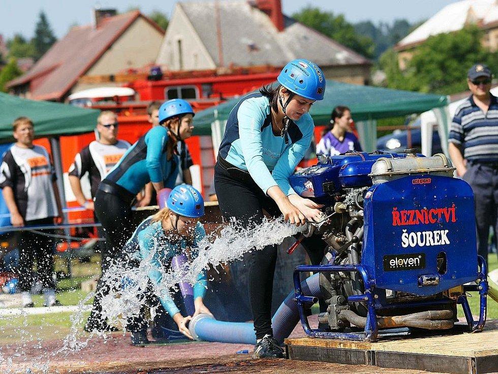 8. kolo Podkozákovské hasičské ligy 2009 v Semilech. Ženy Bratříkova obsadily druhé místo.