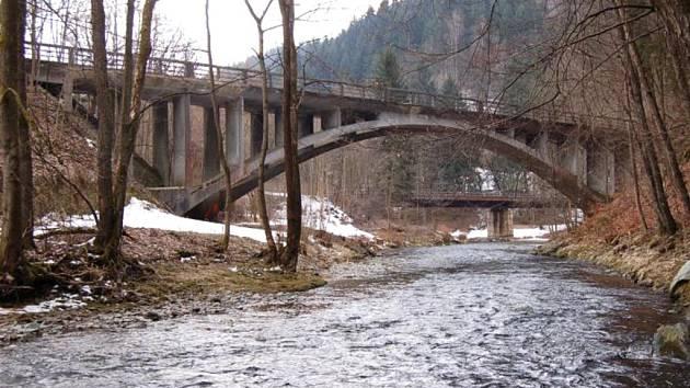 Spálovský most přes Kamenici je novou kulturní památkou, chráněnou státem.