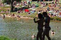Přírodní koupání znají i lidé v Jablonci - u přehrady