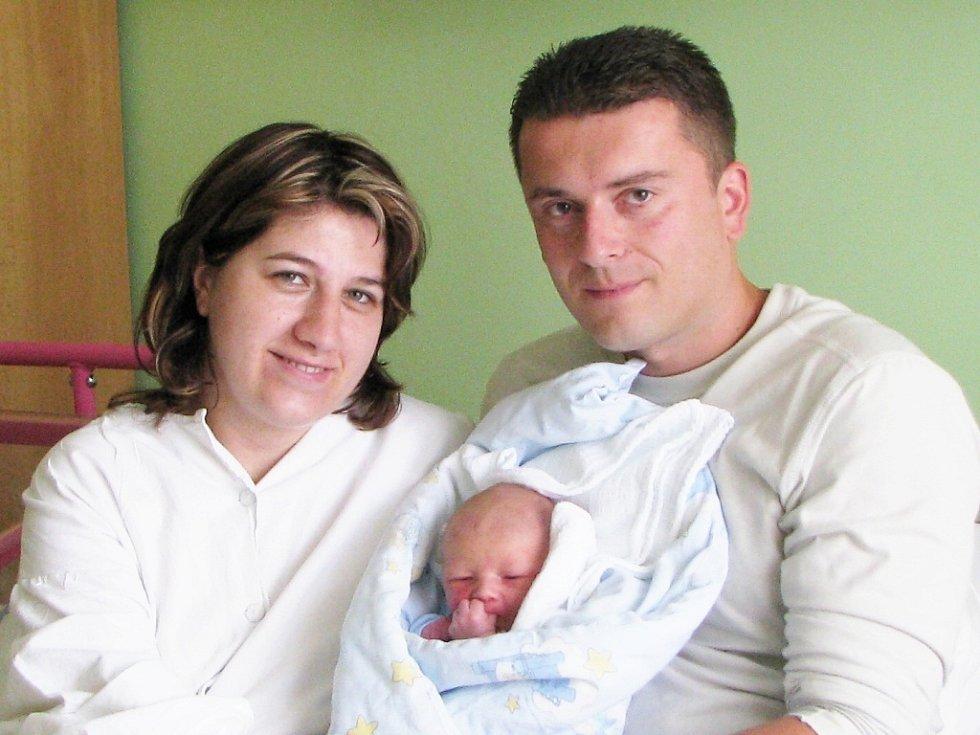 Jakub Chmelík s rodiči Petrou Dvořákovou a Lubošem Chmelíkem