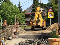 Stavba kanalizace v Krkonošské ulici uzavře i ulici Pražskou