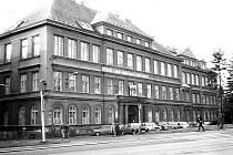 Střední průmyslová škola strojní v Jablonci na sklonku roku 1986.