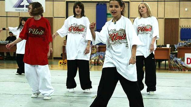 Jedno z vystoupení X-Dance v jablonecké sportovní hale při Emco Dance Life Tour 2008