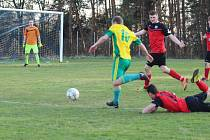 V zápase I. A třídy se hrálo derby skoro sousedů. Jenišovice si na domácí půdě změřily síly s týmem Pěnčína.