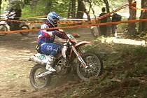 Šestidenní. Milan Engel z Motoklubu Jiřetín jedoucí o World Junior trophy.