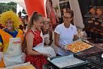 Největší bublaninuv Česku a nejspíš i ve vesmíru upekly maminky na dětském festivalu Čiperkafest ve Šťastné zemi v Radvánovicích.