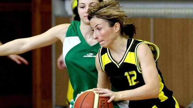 Hráčky Bižuterie odehrály dva zápasy na domácí palubovce.