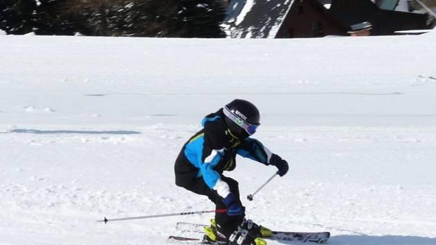 Ve Fitkids i lyžují