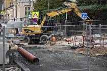 Centrum Jablonce je znovu rozkopané kvůli stavbě chybějící dešťové kanalizace. A bude hůř.