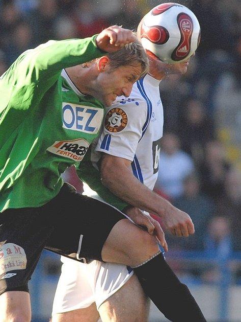 Milan Fukal v hlavičkovém souboji.