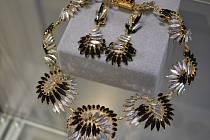 Pasíři vyrábí i šperky