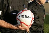 Fotbalový rozhodčí. Ilustrační snímek.