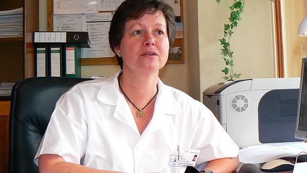 Primářka transfuzního oddělení Krajské nemocnice Liberec MUDr. Renata Procházková neustále studuje i ve volném čase. Ráda sáhne i po neodborné literatuře, nebo zajde do divadla.