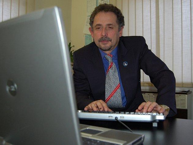 Starosta Železného Brodu Václav Horáček odpovídal na všechny dotazy v on-line rozhovoru.