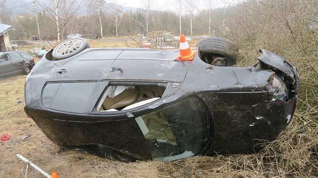 Dopravní nehoda u Malé Skály.