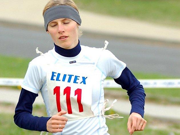 Všestranná nadějná sportovkyně Petra Kuříková, členka triatlonového oddílu Bižuterie Jablonec.