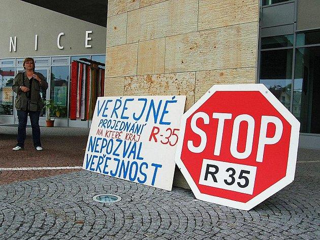 Turnovským se nezamlouvá severní varianta R35, kdy by silnice vedla Českým rájem.