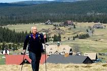 Jizerské hory jsou cílem turistů po celý rok. Na snímku osada Jizerka.