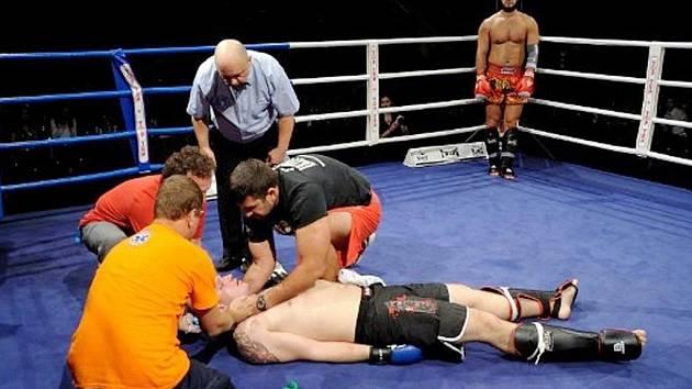 Georgij Fibich (vzadu) sestřelil ve finále Miroslava Sochora z Liberce.