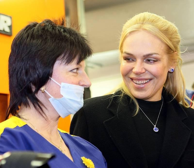Dagmar Havlová v České mincovně v Jablonci nad Nisou v roce 2012