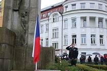 Slavnostní připomenutí 99. výročí vzniku samostatného československého státu se za účasti představitelů města, zástupců městské i státní policie, hasičů, červeného kříže i veřejnosti konalo v pátek 27. října u Památníku obětem 1. světové války v Tyršově p