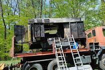 V Klokočí hořel nákladní vůz. U požáru zasahovali hasiči