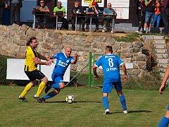 Všechno zlé je k něčemu dobré. Fotbal na Nové Vsi se rozdělil.  Pro jeden z týmů, pro FK Kovo, je Rádlo domácím prostředím. A za to se mohou fanoušci těšit na mnoho zajímavých akcí. Jedna se konala hned při prvním domácím utkání.