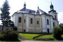 Kostel sv. Archanděla Michaela ve Smržovce.
