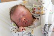 VOJTĚCH PAVLATA se narodil v pondělí 26. března v jablonecké porodnici mamince Lucii Pavlatové ze Zásady. Měřil 47 cm a vážil 2,84 kg.