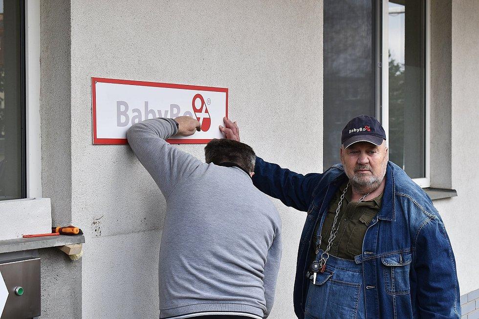 Ludvík Hess, který je duchovním otcem babybox, a Zdeněk Juřica, výrobce babyboxů.