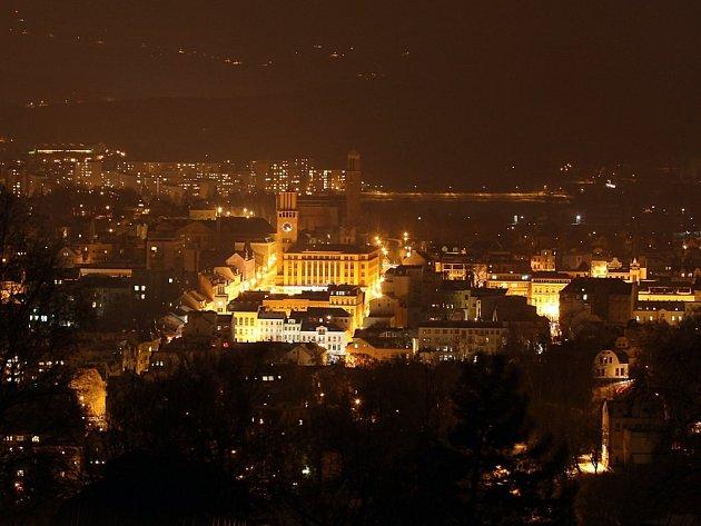 Pohled na Jablonec nad Nisou od hotelu Petřín.