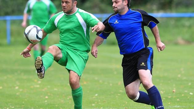 Fotbalisté Držkova B (v zeleném) prohráli s Tanvaldem 2:3.
