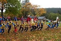 Start přespolního běhu chlapců ročník 1997.