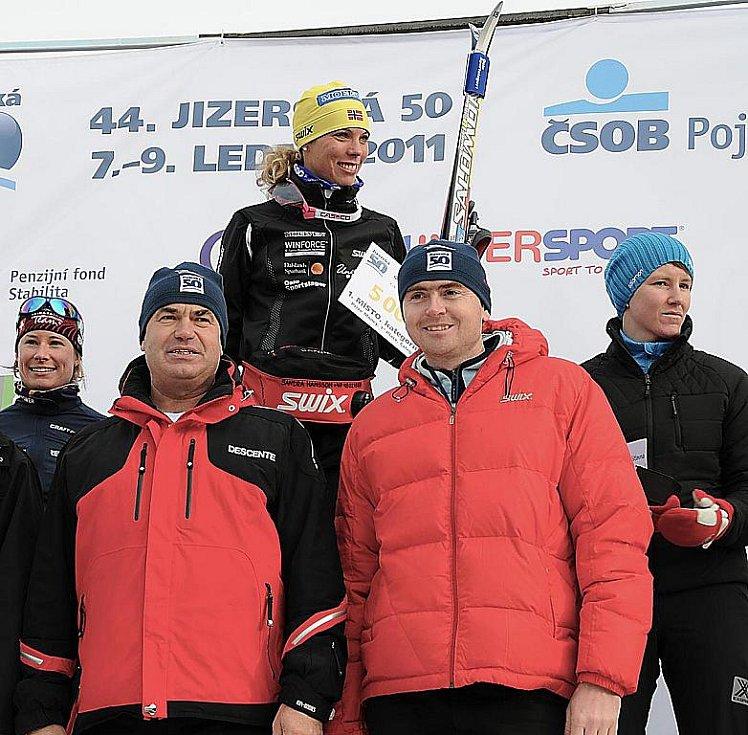 Jizerská padesátka 2011. Nejrychlejší žena Švédka Sandra Hansson.