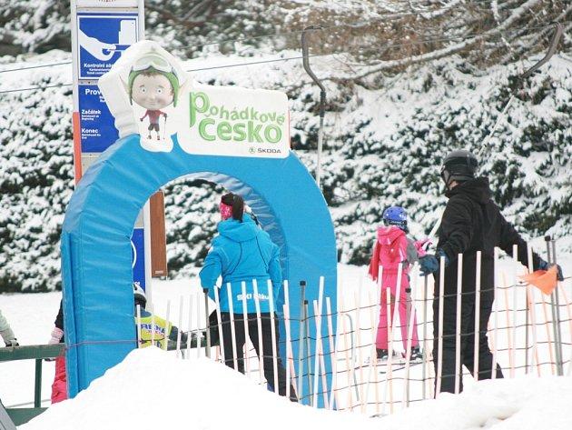 Lyžařské podmínky v Jizerských horách se už zlepšily. Vleky se rozjely ve všech velkých střediscích. Živo bylo na Severáku, kde sjezdovky provozuje Ski BIŽU.
