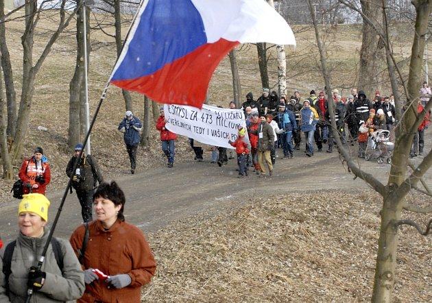 Ekologičtí aktivisté při protestu v areálu Vesec.