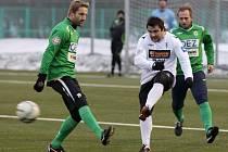 Ve Mšeně se střetli legendy jabloneckého fotbalu. V bílých dresech tým, který vykopal v roce 1994 první ligu a v zelených dresech hráči, kteří v roce 1998 vyhráli Pohár ČMFS.