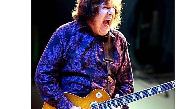 Benátská noc – jedna z hlavních hvězd celého festivalu – Gary Moore, irský bluesrockový kytarista.